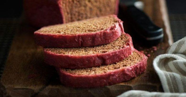 Pão integral de beterraba