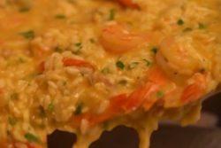 Risoto de camarão rápido e cremoso