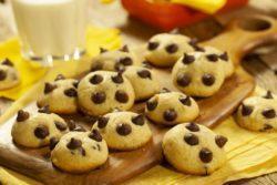 Cookie de leite ninho com gotas de chocolate