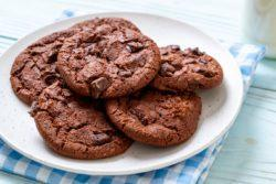 Cookie de chocolate com shake